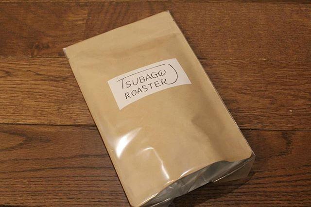 豆での発送はこんな感じです。今週は豆は1件。豆で買われるお客様には、飲み方に合わせた豆の挽き具合サンプルをつけられます。お気軽に飲み方を教えて下さいね! (Instagram)